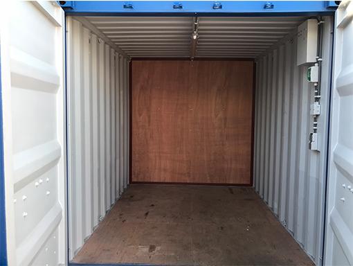 20ft combi-container binnen